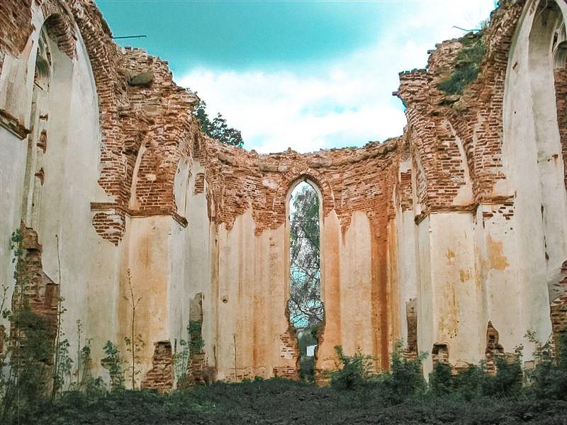 Deltuvos evangelikų reformatų bažnyčios liekanos