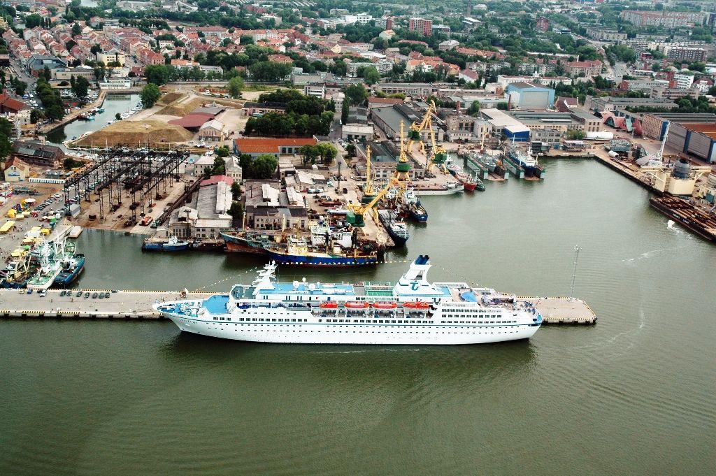 Kruzinis ir karinių laivų terminalas